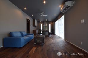 ヴィンテージ家具と無垢のアメカジハウス