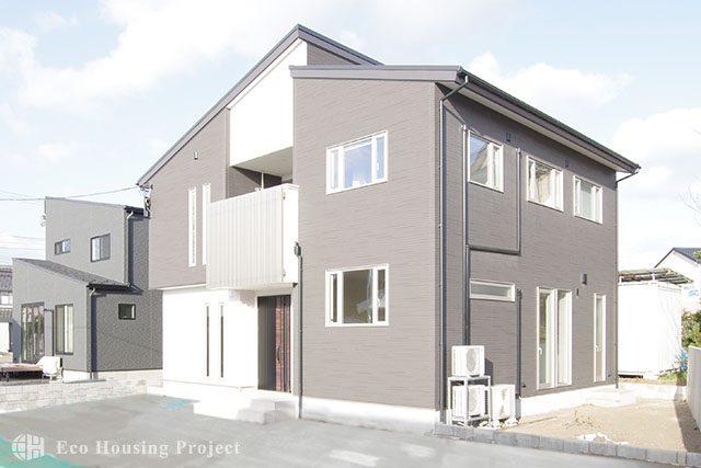 高耐久エクステリアの二世帯住宅